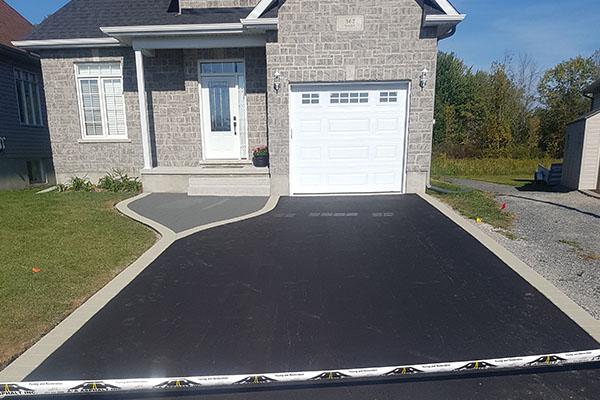 liquid asphalt sealing